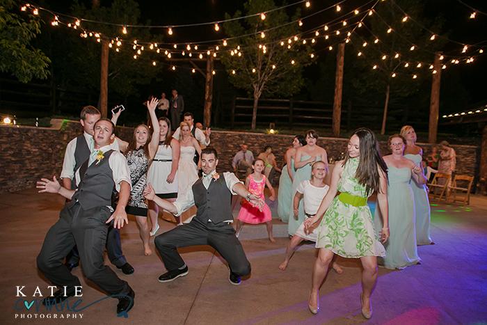 hilarious dancing wedding photos